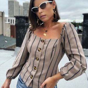 Tops - 🆕Cassandra Taupe Puff Sleeve Button Front Top